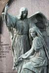 Trauernde und Engel