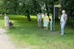 """Alltagsmenschen: """"Warten auf die Heimfahrt"""" (Bushaltestelle)"""