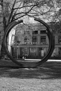 Pause im Garten der Historischen Stadthalle